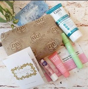 Other - Dooney & Bourke Make-up Bag